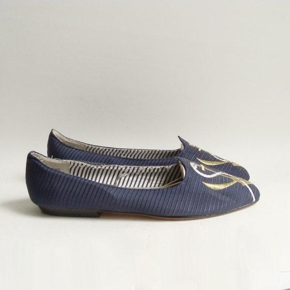 shoes 9 9.5 / nautical flats / navy blue flat / embroidered anchor sailor shoes / shoes size 9 9.5 / vintage shoes