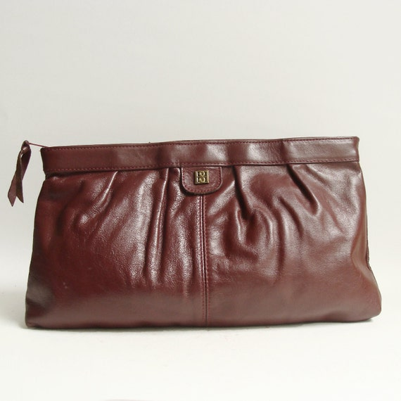 clutch purse / oxblood red leather clutch / 80s 1980s clutch / vintage purse