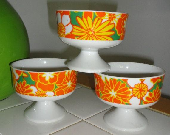 1970's Flower Power Ceramic Footed  Dessert  Bowls. set of 3