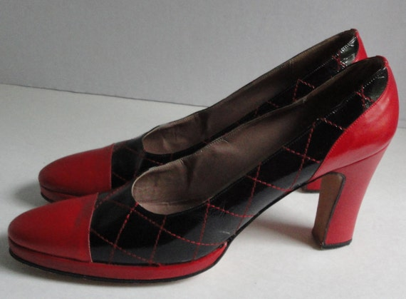 RESERVED Listing. Vintage Harold Reason Red and Black Heels Shoes. Genuine Leather. Size 7 1/2 N.