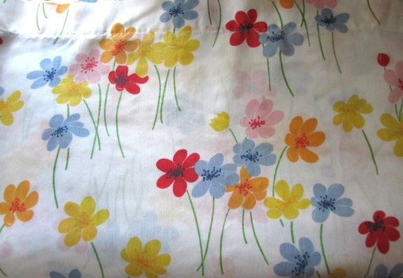 Vintage Full Flat Sheet Popping Up Flowers