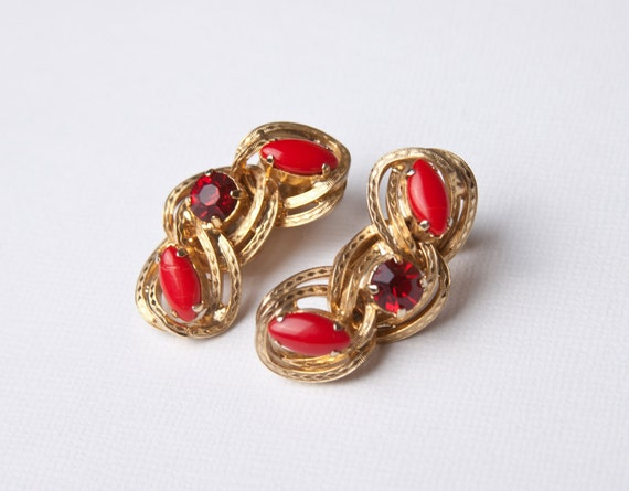 Vintage Ruby Red and Gold Clip On Earrings