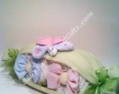 Very Cute Peas In A Pod Diaper Cake - Centerpiece or Gift for Baby Shower