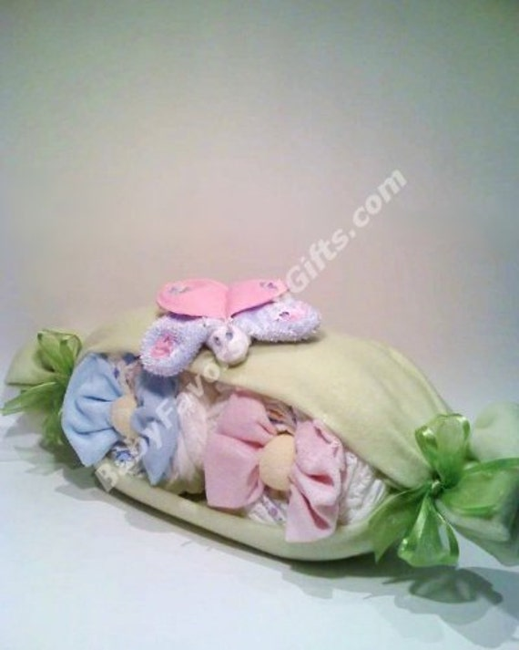 Baby Gift Ideas Twins : Items similar to very cute peas in a pod diaper cake