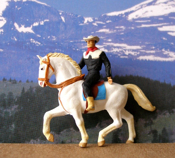 Preiser HO Scale Miniature  Parade Cowboy on White Horse