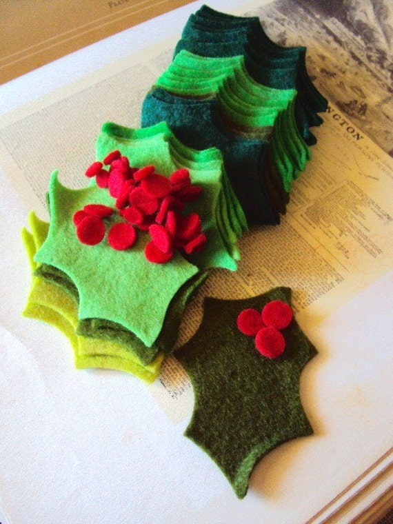 Vintage christmas felt holly berries supplies for crafts for Vintage christmas craft supplies