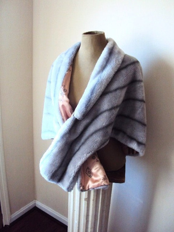 Vintage Faux Fur Wrap Cape or Shawl in Silver Grey