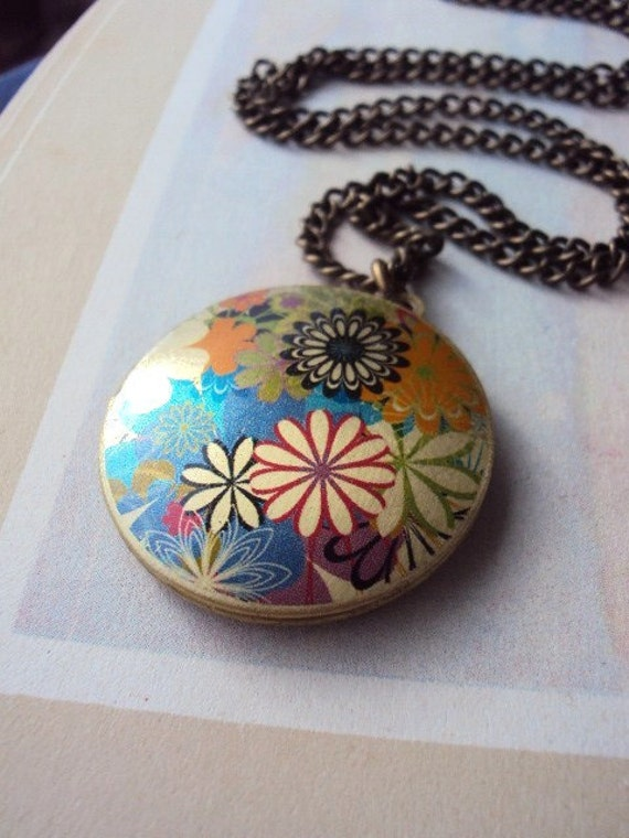 Repurposed Vintage Locket Necklace with Bouquet of Flowers
