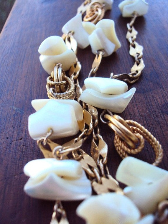 Vintage 60s Long Chain Necklace with Mother of Pearl Shells