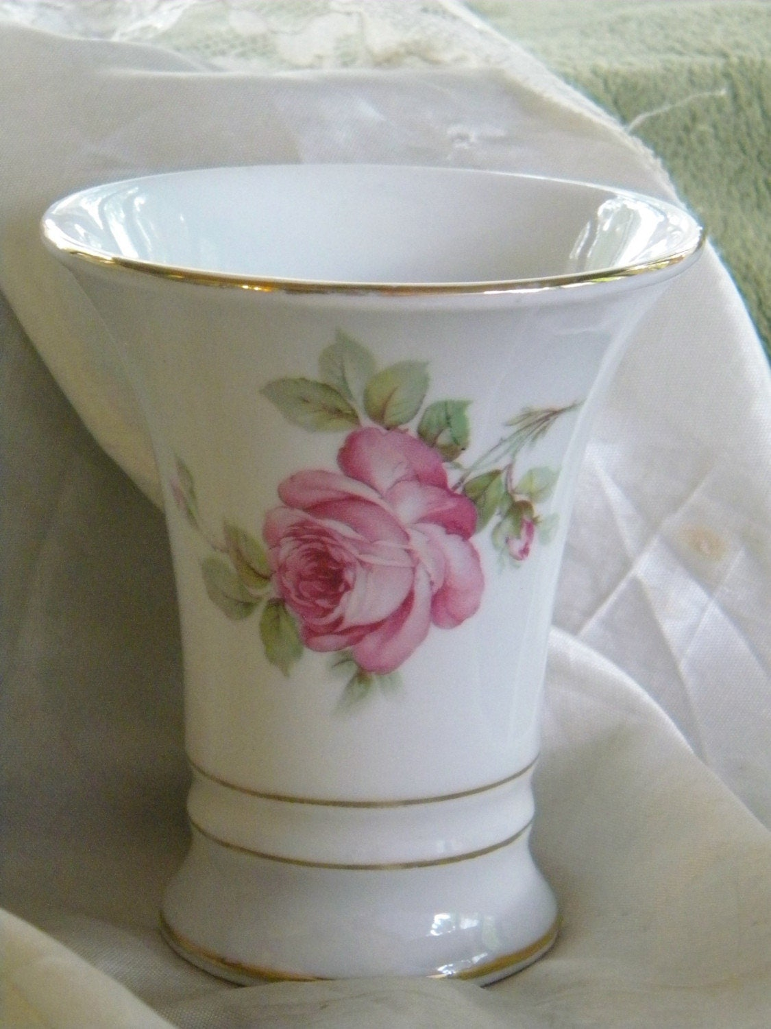 antique vase erphila porcelain vase shabby chic with pink. Black Bedroom Furniture Sets. Home Design Ideas