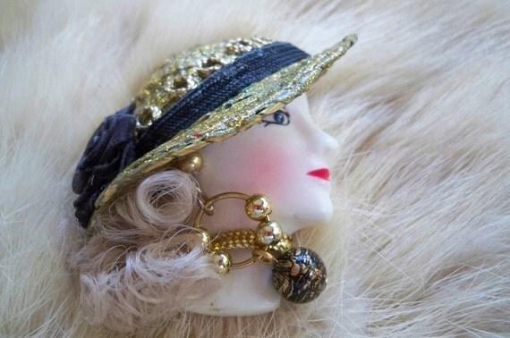 Ladies' Head Brooch