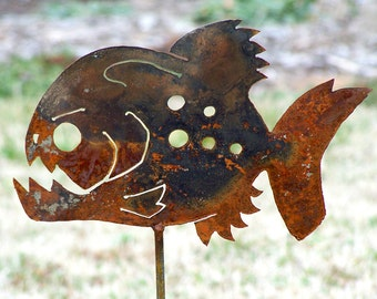 Piranha garden stake - Garden fish sculpture - Frenzy fish-Iron fish art - Metal fish decor - Deep sea monster stake - Flower bed decor