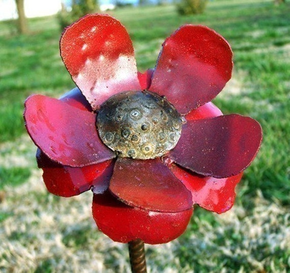 garden decor  flower - Garden stake metal flower - Betty flower art - Outdoor plant marker - Planter marker - Steel flower artwork
