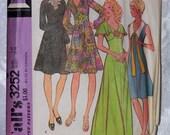 1970s Ladies Dress Pattern