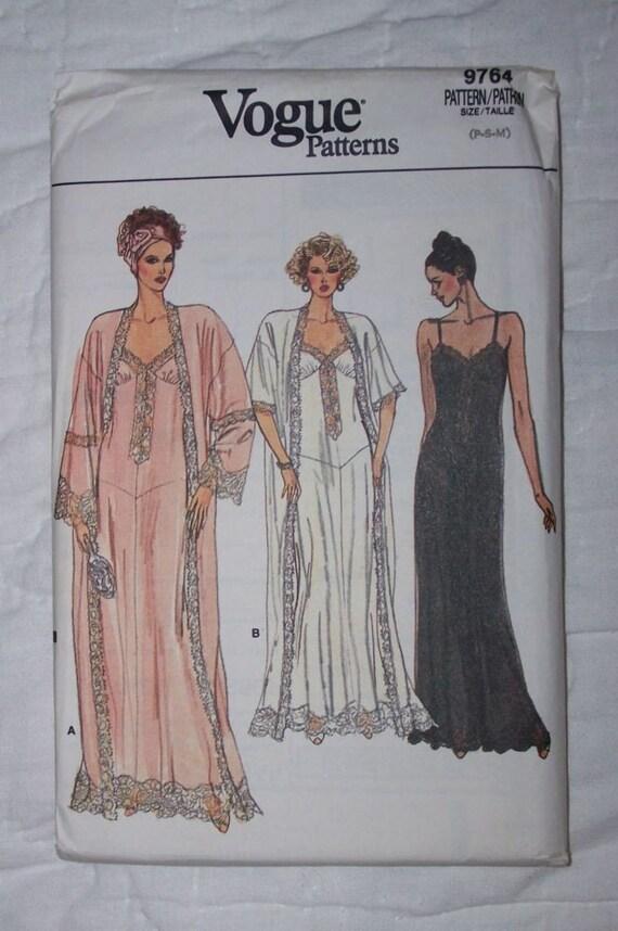 Vintage Vogue Peignoir Set Pattern Sz P-M