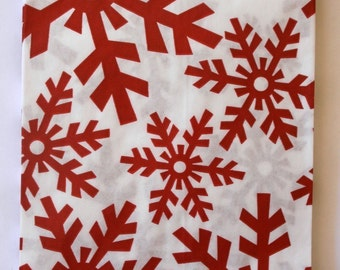 Set of 25 - White Kraft - Red Snowflake Pattern - Holiday Paper Merchandise Bags - 6.25 x 9.25 Inches