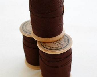 Rayon Binding Tape - 1/2 Inch Wide - 10 Yds Mimi Brown on Wooden Spool - Packaging and Gift Ribbon
