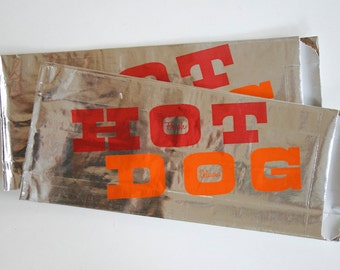 Vintage Style Foil Paper Lined Hot Dog Bags - Red and Orange - Fresh and Delicious - Gusseted 3.5 x 1.5 x 8.5 Inches - set of 25