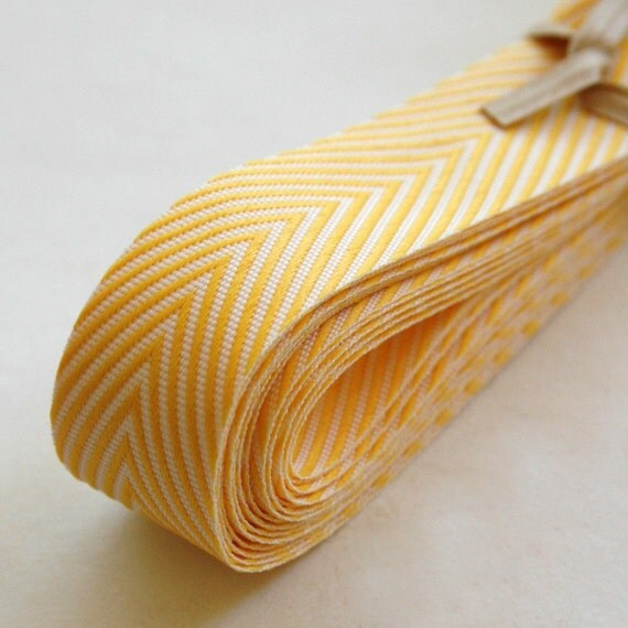 Chevron Twill Herringbone Ribbon - Yellow and White 3/4 Inch Width - Packaging and Gift Ribbon