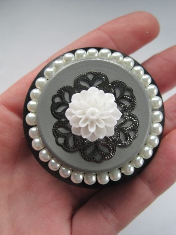 Shabby Chic dresser drawer knobs in Black and Grey with White Pearls and flower