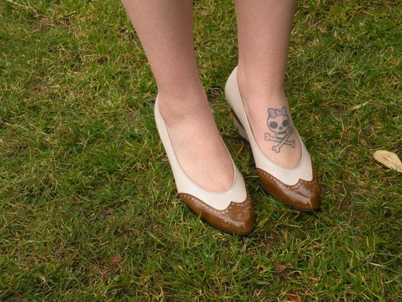 1970s-80s Vintage Norman Kaplan Las Vegas Brown Leather Wing Tip Shoes (Size 7)