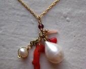 la mescla -- mixed pearl and coral necklace.