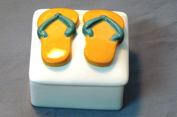Ceramic Flip Flop Keepsake Box Gold Mint