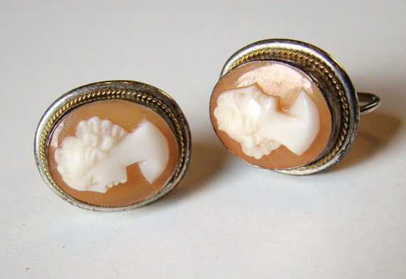 Vintage Shell Cameo Screwback Earrings / Victorian Nouveau / Italian / Woman Cameo / Grecian Goddess