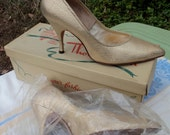 "Vintage 50's ""Mr. Thom Designer Fashions"" Thom McAn sparkly gold pumps stilettos VLV pinup bombshell rockabilly Sz 6-6.5"