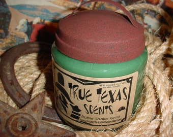 Saddle Land (leather and fresh grass) scented - 16 oz Western Cowboy Candle - NEW