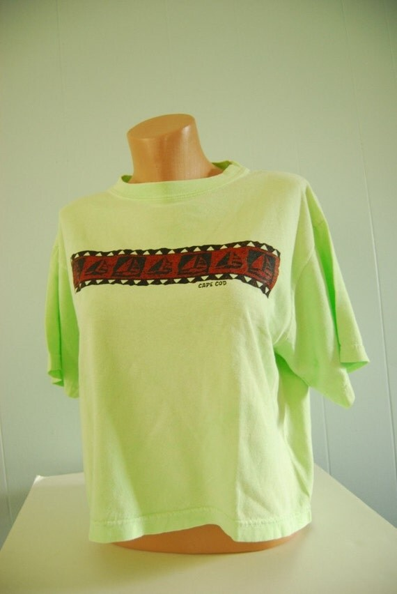 Neon Cape Cod Tee Vintage Tshirt Light Green LADIES Half Shirt Oversized