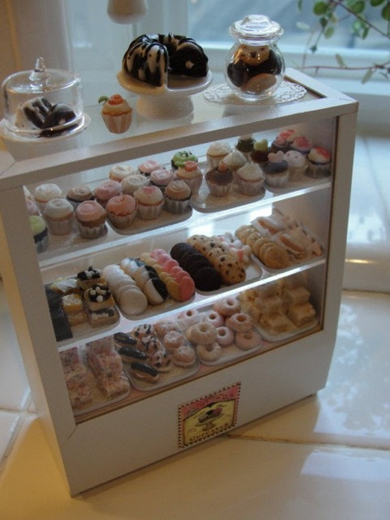 Miniature Filled Bakery Counter