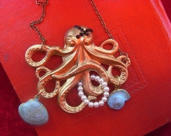 Octopus jewelry, pirate theme jewelry, Pirates of the caribbean necklace, Free shipping
