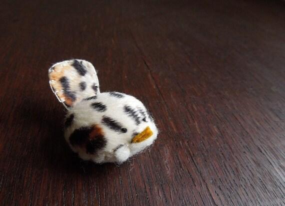 Animal Print Faux Fur Decorative Bird Wren