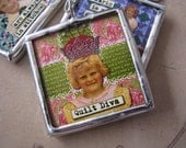 """Quilt Diva one hot quiltin' mama charm 1.5"""" soldered pendant"""