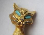 Kitschy Kitty with Big Blue Eyes - Vintage J.J. Goldtone Cat Pin