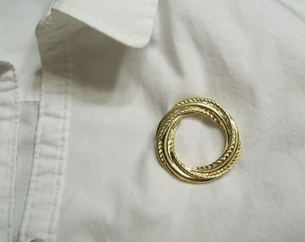 1940s Layered Simple Circle