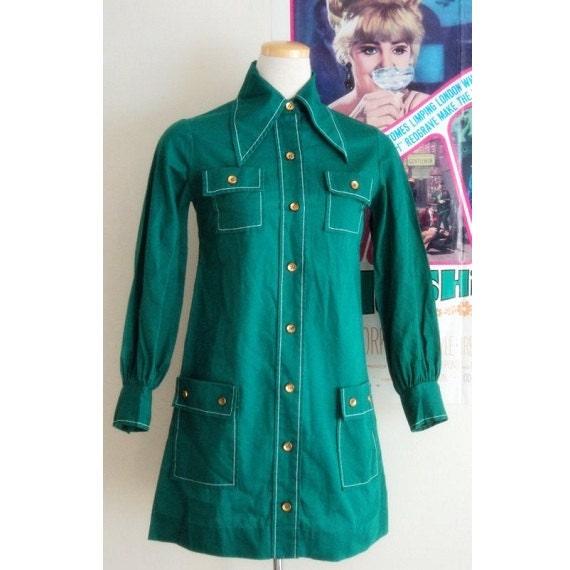 1960's Vintage Mini Shirt Dress / Green / Long Sleeved / Mod / Twiggy