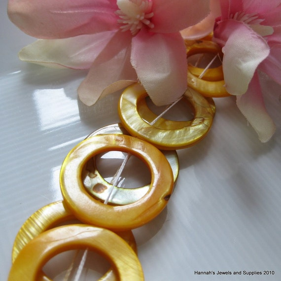 30mm Sunshiny Yellow Mother of Pearl MOP Donuts 2pcs