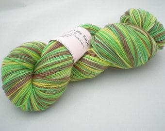 Jonquil - Superwash Merino Hand Dyed Sock Yarn (100 g/400 yds)