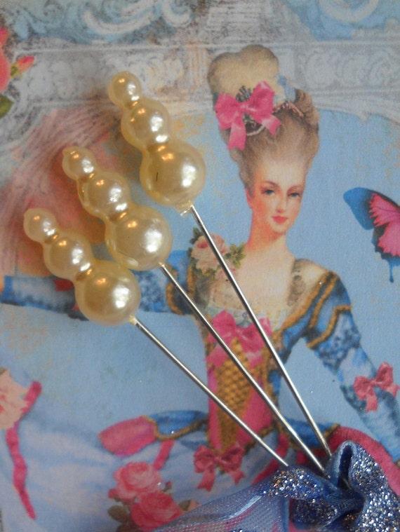 triple pearl Marie Antoinette straight pins -- ivory