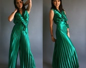 Vintage 70s Emerald Green Jumpsuit XS Small Sunburst Pleated Pant and Blouse Suit Set 1970s