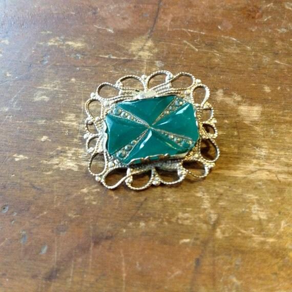 faux marcasite / silver tone brooch