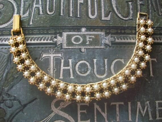 Gorgeous Vintage Faux Pearl Bracelet, Wedding Bracelet, Mother's Day Gift