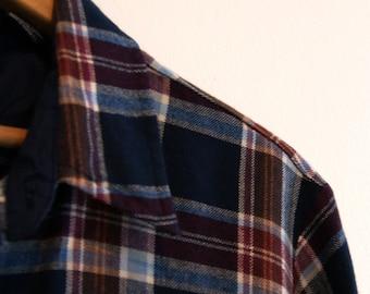 Classic Men's Plaid Shirt // Vintage // Large