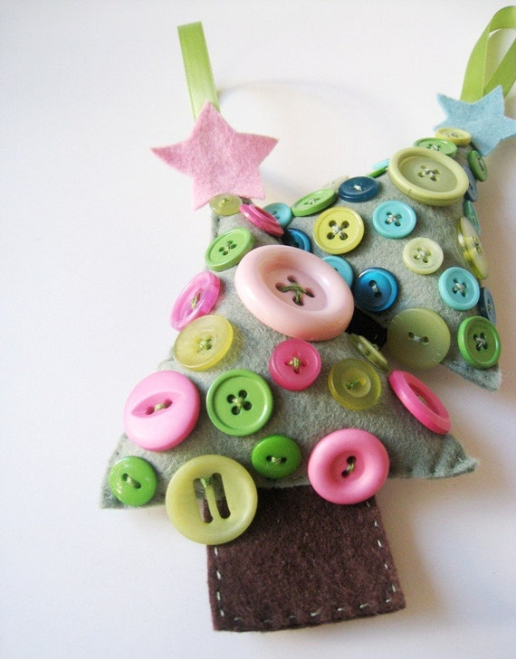 Wool Felt Christmas Tree Ornament - Pink Button