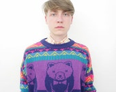 Vintage sweater. I love the bear jumper. size S/M