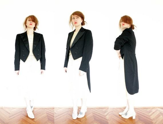 Vintage black tuxedo jacket. size M/L