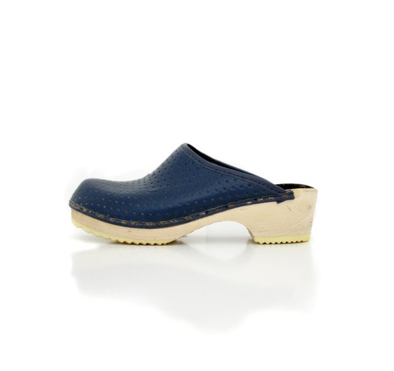 Vintage clogs / navy perforated swedish shoes/ size 36-6