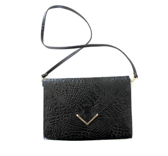 Vintage purse / black envelope faux reptile clutch